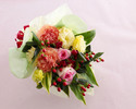★土日祝【オプション】季節の花束¥5,000(税抜)