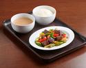 黑椒炒牛肉、絲苗白飯、中式例湯