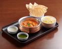 印式雞肉咖喱配香料飯、薄脆、配料