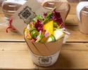スモークチーズと燻製オリーブの彩野菜サラダ