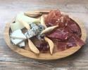 【テイクアウト】スペイン産 生ハムとチーズの盛合せ
