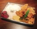 定番逸品  おばんざいと鶏の唐揚げ弁当