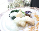 [休日]ランチコース  魚料理or肉料理の選べるメインディッシュと6種類の季節のデザートなど 全4品