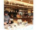【平日】ランチ!オープンキッチンからの出来立て料理が大人気!