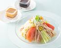 蒸し鶏とクラゲとイカの細切り冷し中華麺